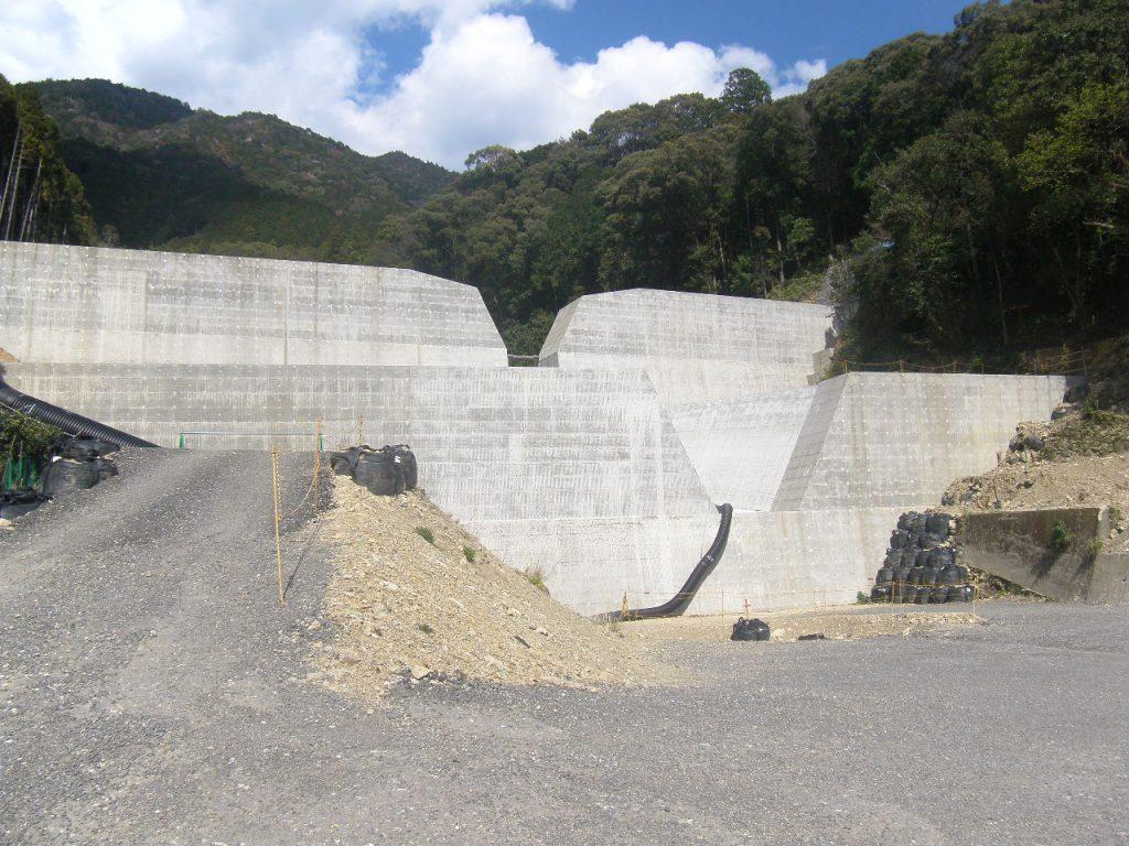 那智川樋口川地区2号堰堤その2工事